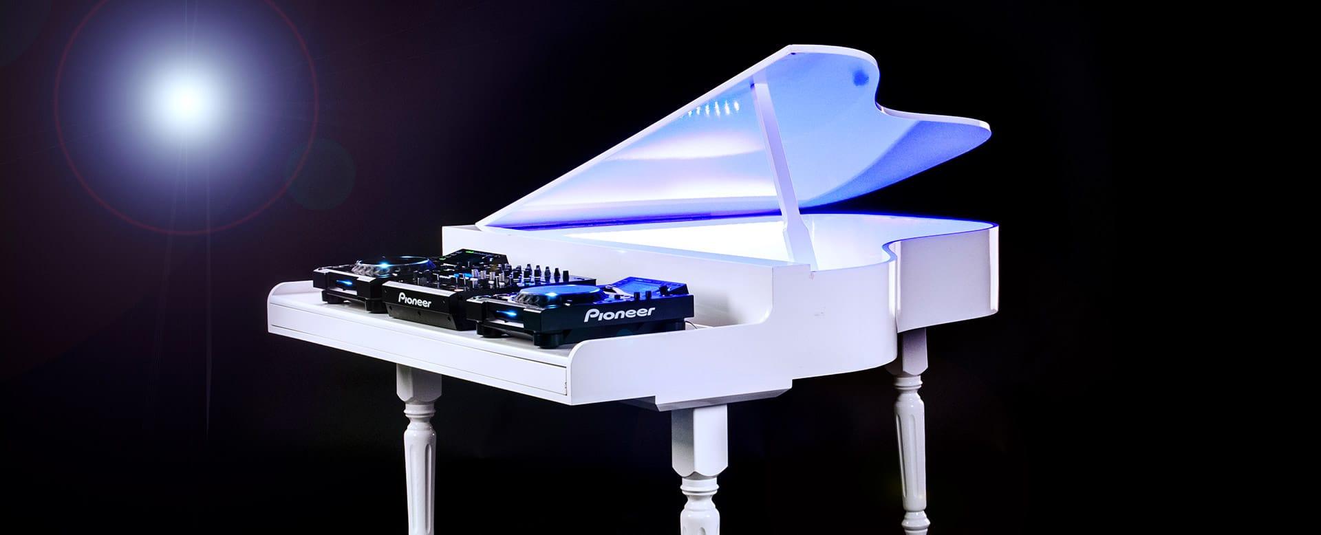 De piano dj booth habbevents for Www home piani foto