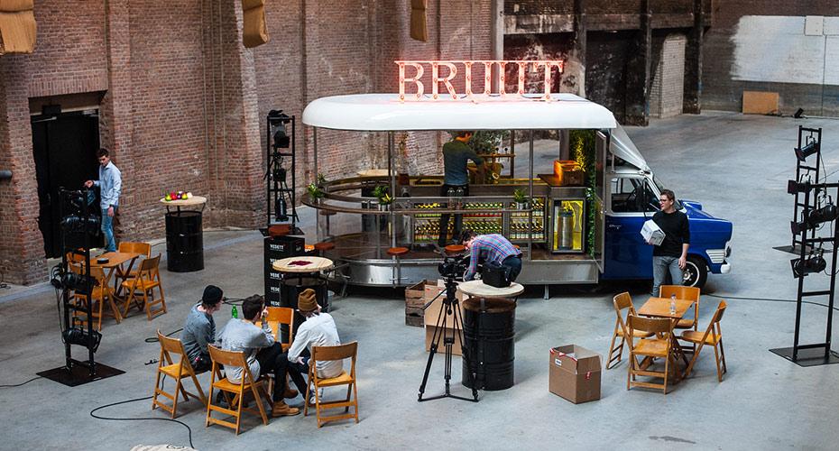 bruut concept truck in industriële hal
