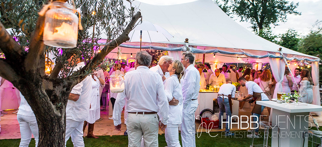 white party in volle gang