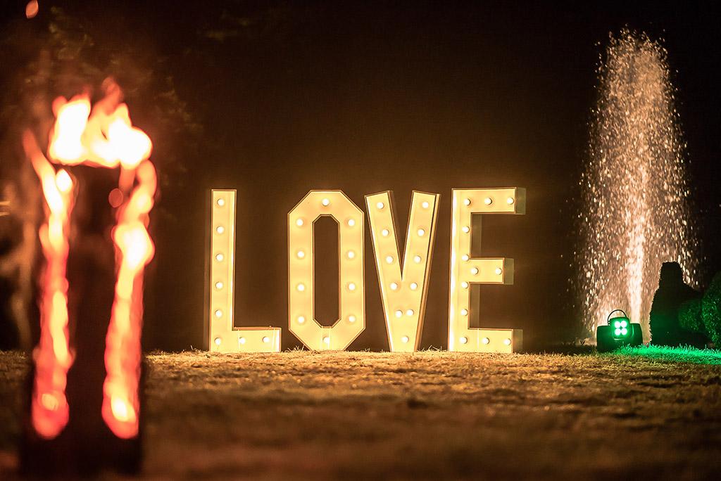 Love letters bij plaats trouw ceremonie