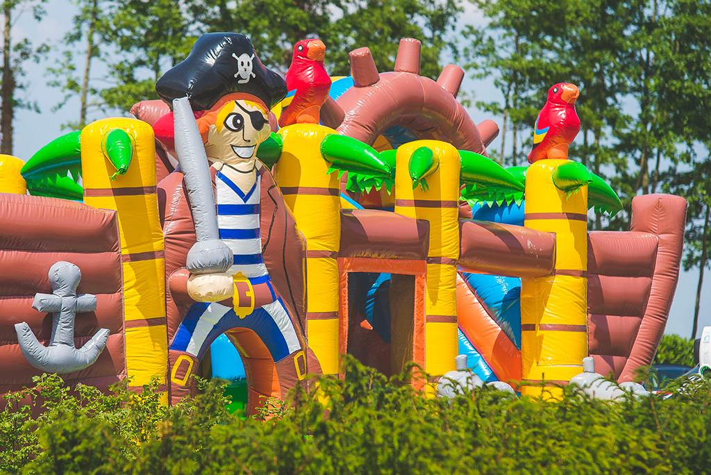 Piraten springkussen voor de kinderen